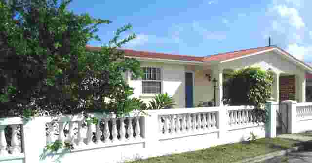 Seabreeze Villa, Atlantic shores. Close to Miami Beach and Oistins.
